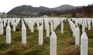 Srebrenica_massacre_memorial_gravestones_2009_1